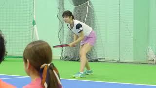 硬式テニス全国高校総体に出場した事がある佐藤朱の大阪イベントのシー...