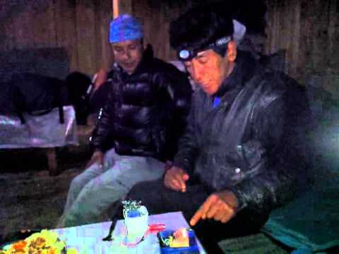Demonstrating the Solar CITIES tab torch in Nepal (aluminum powered flashlight) 2