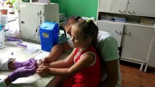 Лиза сдаёт анализ крови