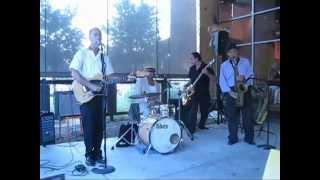 Bustamoovalators - Meet The Boys On The Battlefront (Live)
