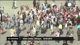 # Эфиопия: демонстрация против ИГ обернулась беспорядками(Тысячи манифестантов вышли на улицы Аддис-Абебы (столицы Эфиопии) в знак протеста против расправы боевиков..., 2015-04-22T14:04:28.000Z)
