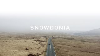 SNOWDONIA - 4K AERIAL FOOTAGE IN THE FOG