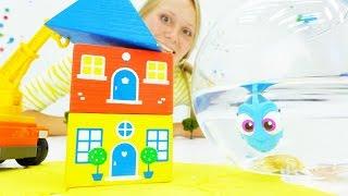 Видео с игрушками. Дори в большом городе: жизнь на суше