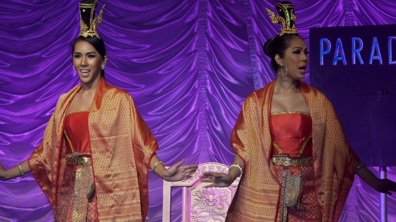 SINGAPORE LOVE ESCALATOR PRANK LADYBOY WIG EDITION 2017