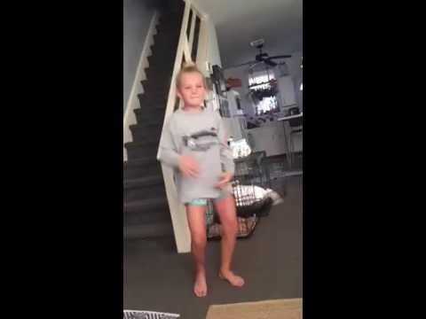 Juju on the beat - White Girl Dances better than Black kids