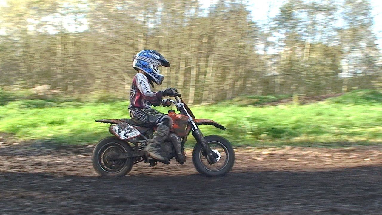kinder motocross macht richtig laune youtube. Black Bedroom Furniture Sets. Home Design Ideas