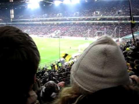 1.FC Köln vs. BVB: Ballspielverein Borussia