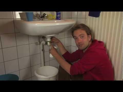 Badkamer Wasbak Verstopt : Digitale vakman: sifon schoonmaken youtube
