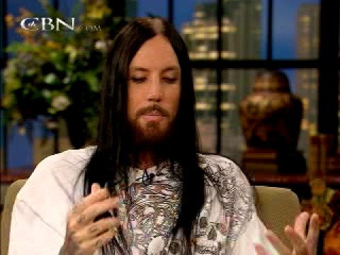 Brian Head Welch Sits Down with Pat Robertson - CBN.com