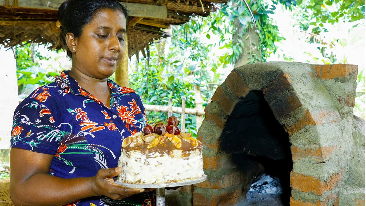 'Iced cake cooked in a wood-burning oven'. Easily made from home. .village kitchen recipe