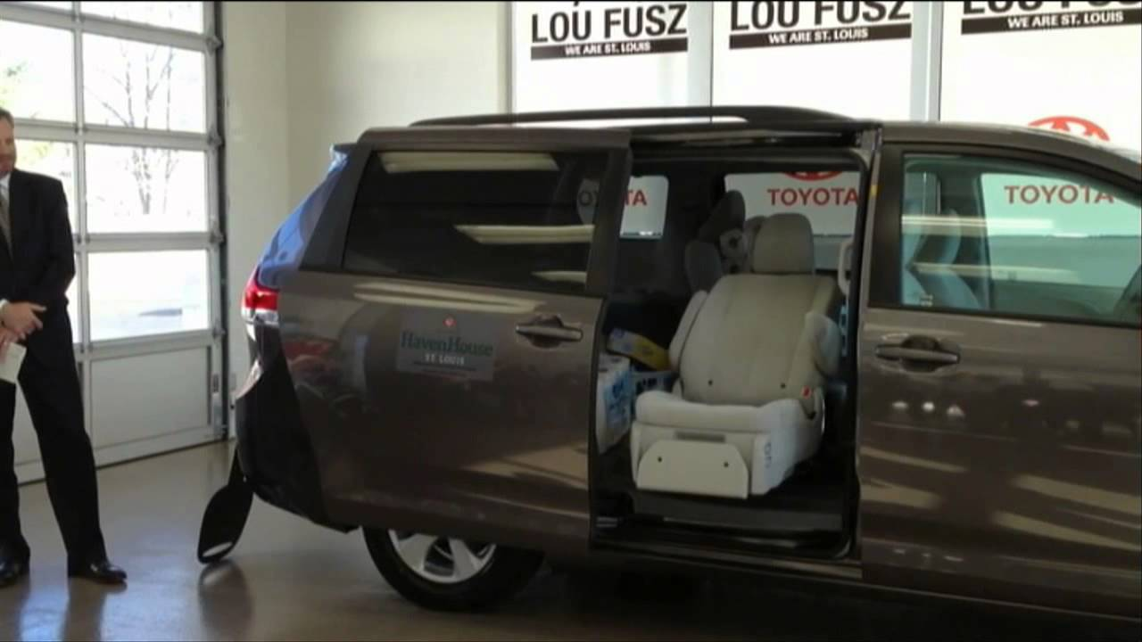 2013 Toyota Sienna Mobility Autoaccess Seat Demonstration Youtube