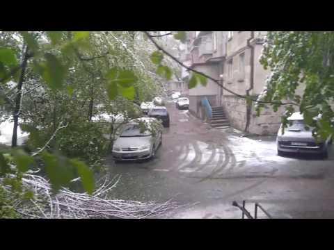 Кишинев. 20 апреля 2017. Снегопад.