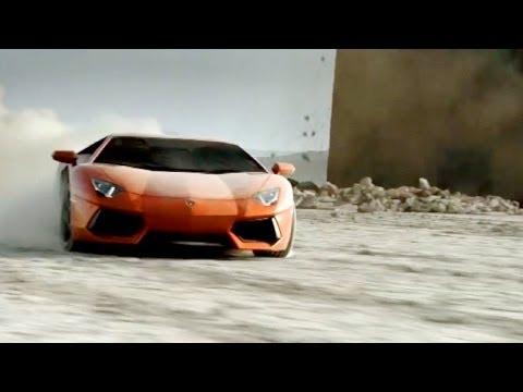 ► Lamborghini Aventador Driving in the Desert