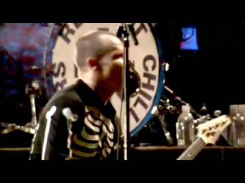 Red Hot Chili Peppers - Give it Away - Live at Slane castle