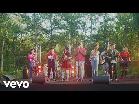 Les Enfants de la Terre – Les lionnes ft. Yannick Noah
