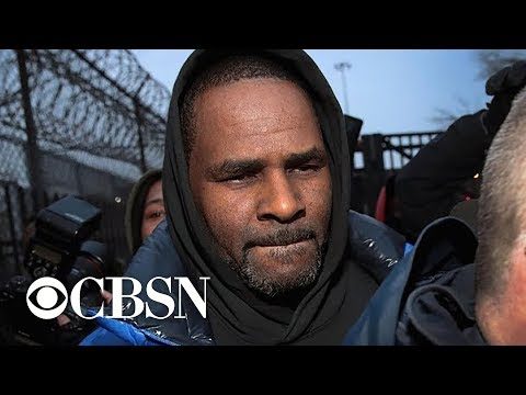 R. Kelly out on bail after spending weekend in Chicago jail