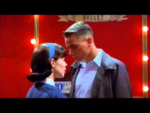 Dogfight 1991 Eddie & Rose River Phoenix and Lili Taylor
