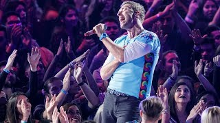 "Coldplay Chester Tribute Sings ""Crawling"" LIVE"