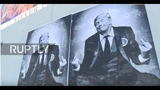 USA: 'Right-wing Banksy' plasters Los Angeles with pro-Trump slogans