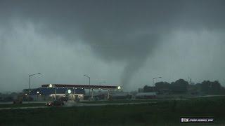 Eolia, Missouri tornadoes at close range (near STL metro) - June 28, 2015