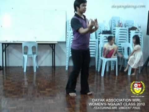 DAM Ngajat Tutor, Mr. Vincent Paul performing infront of Students [HQ]