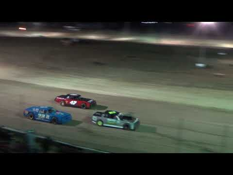 Street Stock Feature Race at I-96 Speedway on 04-27-2018