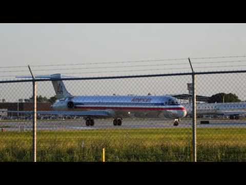 Plane Spotting at Dayton International Airport: American Airlines MD-83 Departure
