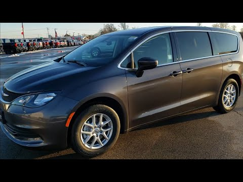 ALL NEW 2020 CHRYSLER VOYAGER LX GRANITE CRYSTAL FIRST LOOK WALK AROUND REVIEW 20C11 SUMMITAUTO.com