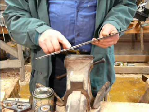 Chainsaw bar maintenance, bar faults and filing the rails for efficient cutting.