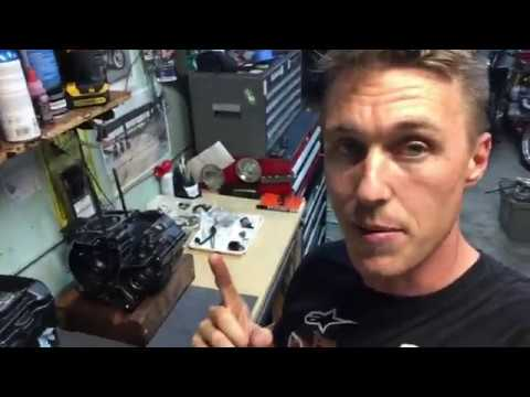 Repairing a Honda CBR250R With a Wrecked Engine