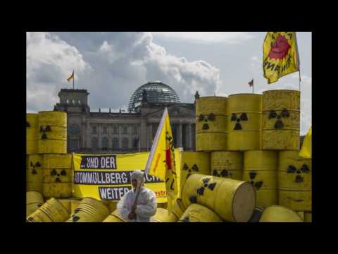 NO NUCLEAR S. A.    HAZARDOUS WASTE HAS COME TO SAVE S. A.