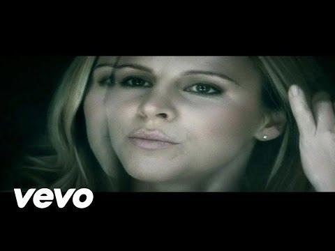 Клип Lisa Miskovsky - Sing To Me