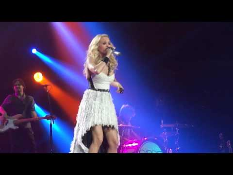 Carrie Underwood - Good Girl w/ Concert Opening