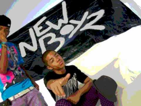 Chris Brown Feat. New Boyz- Call Me Dougie