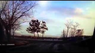 «Вертолет садится, упал»: видео крушения Ми-2 в центре Елизова(В интернете появилась запись, судя по всему, с видеорегистратора, на которой запечатлен момент падения..., 2015-12-01T01:49:16.000Z)