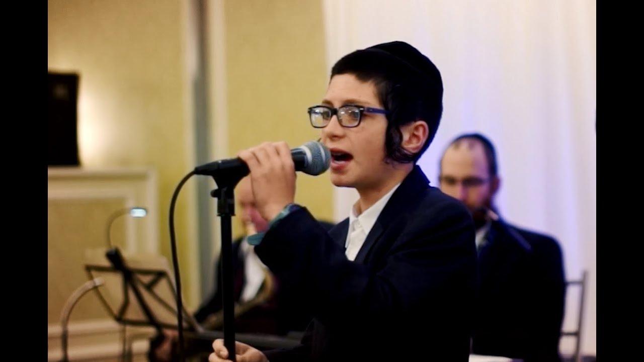 B'chol Yom . Yitsy Rosinger & Shira Choir - בכל יום - בביצוע ילד הפלא ייצי רוזינגר ומקהלת שירה