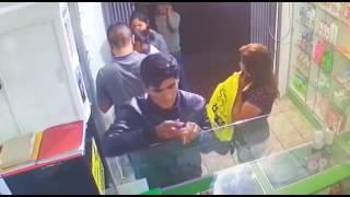 Cámara de seguridad graba a ladrones robando en una farmacia en Tacna