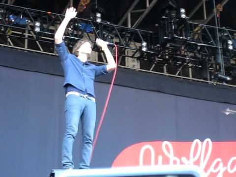 """Phoenix - """"If I Ever Feel Better"""" LIVE At Outside Lands"""