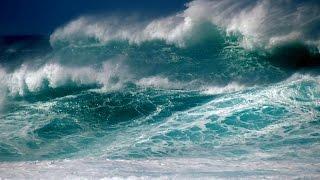 Крым, Севастополь, шторм на черном море(Отдыхали в Севастополе в октябре. В день отъезда начался шторм., 2015-10-24T20:30:16.000Z)