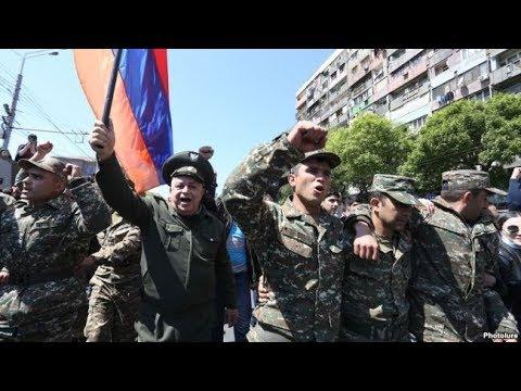 В Ереване на стотрону восставших против кремлевской марионетки Саргсяна перешли военные.