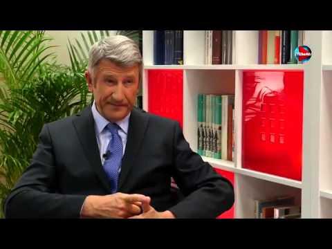 """François Fillon confie à Philippe de Villiers   """"Les Bilderbergs, c est eux qui nous gouvernent"""""""