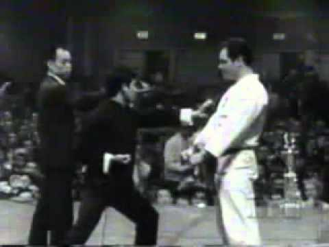 Bruce Lee - Fighting Master