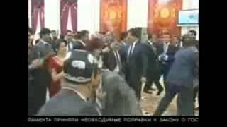 смотрите как Президент Таджикистане танцует на свадьбе сына