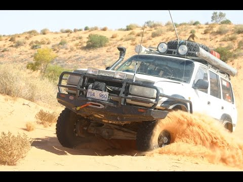 Conquering the Simpson Desert - Ford Ranger, Landcrusier 80 series,  and Hilux
