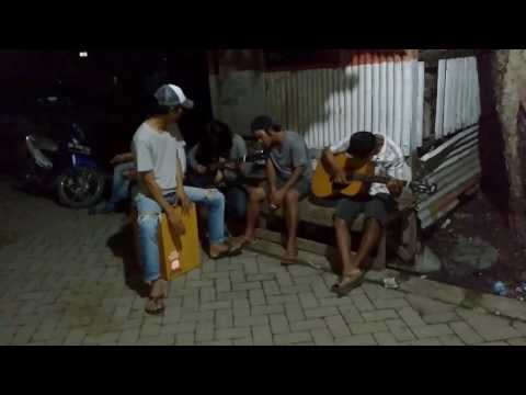 Acoustic adipura.cover JAMRUD .Ku harus pergi