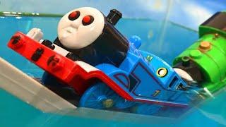 きかんしゃトーマス おばけの顔をしたトーマスがパーシー やヒロを追いかける!!Milky Kids Toy