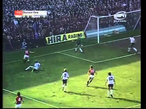 Manchester United v Tottenham Hotspur 1980