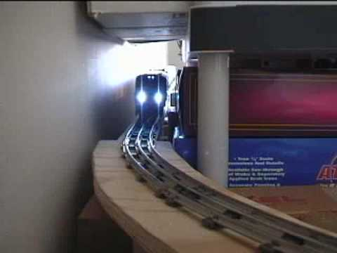 Test Track: Lionel Metro North M7 (6-car set)