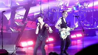 """Depeche Mode performing """"Enjoy The Silence"""" @ Oracle Arena in Oakland October 10, 2017"""