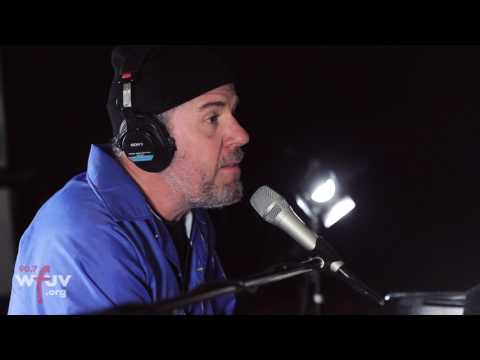 "Grandaddy - ""I Don't Wanna Live Here Anymore"" (Live at WFUV)"